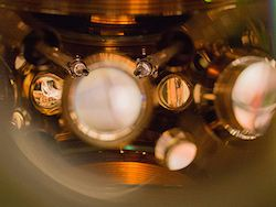 Физики создали самые точные в мире атомные часы