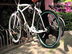 Обычный велосипед превращается в электрический
