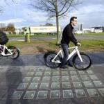 Голландцы получили солнечную энергию от велодорожек
