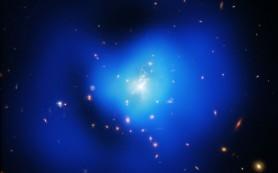 Свежий взгляд на необычное скопление галактик