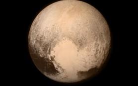 Под ледяной поверхностью Плутона может плескаться водно-аммиачная смесь
