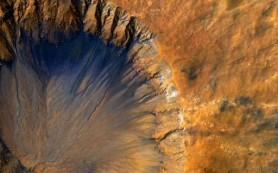 В марсианских оврагах может не быть воды, считают исследователи