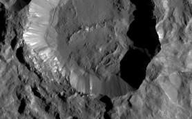 Снимки: Новые виды поверхности Цереры от зонда Dawn