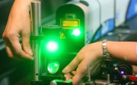 Тюменские физики предложили новый способ очистки поверхностей лазерами