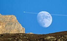 Первая экспедиция космонавтов РФ на поверхность Луны продлиться до двух недель