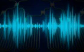 Физики назвали спонтанный шум главной проблемой плазмонных волноводов