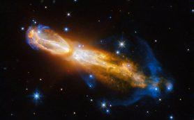 Снимок: «Хаббл» запечатлевает яркую гибель звезды в туманности Тухлое яйцо