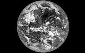 Снимок: Аппарат LRO запечатлел солнечное затмение, находясь на лунной орбите