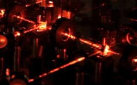 Лазер охлаждает молекулы