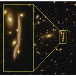 Космическая «змейка» позволяет понять структуру далеких галактик