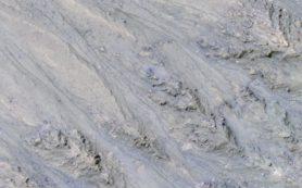 Повторяющиеся линии на марсианских склонах связаны с движением песка, не воды
