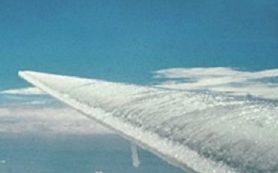 В ИФХЭ РАН разработали способ защиты самолетов от обледенения