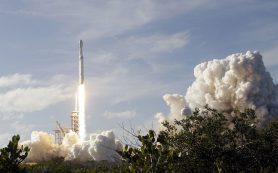 SpaceX отчиталась об успешном запуске ракеты с тремя спутниками связи
