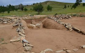 В тувинском могильнике нашли череп с трепанацией