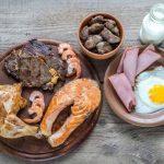 Много белка в еде может повредить сердцу