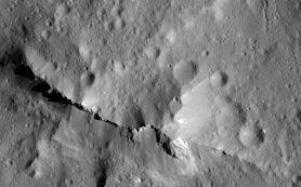 Поверхность Цереры богата углеродом, обнаружили исследователи
