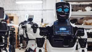 Люди стали относиться к роботам настороженнее