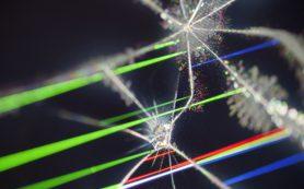 Жидкие кристаллы защитят летчиков от ослепляющего лазера