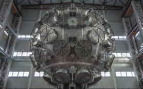 Российские физики завершили монтаж камеры для самого мощного лазерного эксперимента