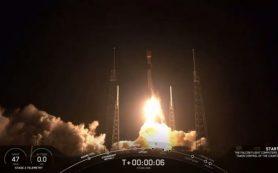 SpaceX запускает в космос 60 интернет-спутников на борту многоразовой ракеты