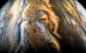 Аппарат НАСА «Юнона» обновляет загадку воды на Юпитере