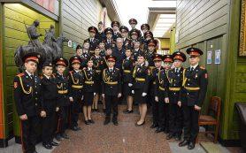 Председатель совета директоров «Просвещения» поздравил учеников с посвящением в кадеты
