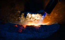 Материаловеды оценили влияние металлических добавок на скорость горения ракетного топлива