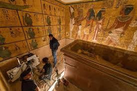 В гробнице Тутанхамона пытаются найти тайные комнаты