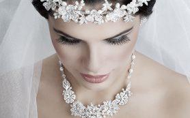 Выбор серебряных украшений для невесты и жениха