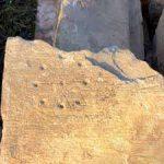 Археологи заметили необычные знаки на стенах средневековой церкви