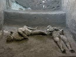 На раскопках в Помпеях нашли останки двух мужчин