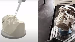 Робота научили вырезать скульптуры из глины