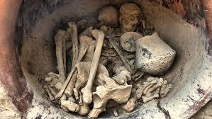 Богатства в могиле бронзового века позволяют предположить, что в ней находится королева
