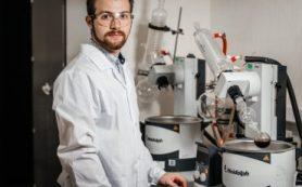 Ученые синтезировали уникальную молекулу вердазил-нитроксильного трирадикала