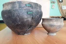 Казахстанские археологи нашли в кургане бронзового века «хвостатый» нож