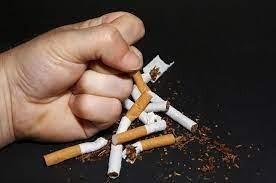 Полный отказ от курения оказался эффективнее вспомогательных средств с никотином